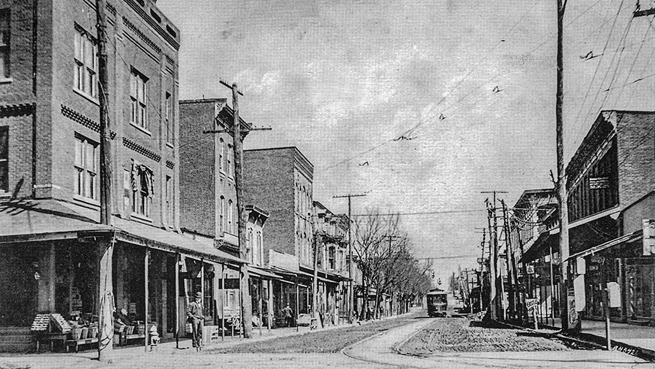 Broadway East from Front Street 1900